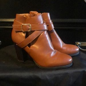 Vegan leather brown boots